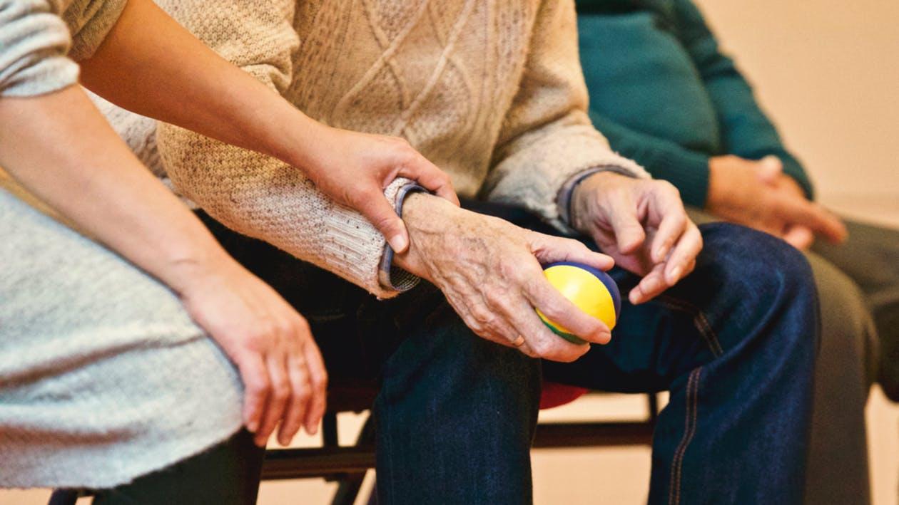 L'aide à la gestion de la douleur avec L'hypnothérapie